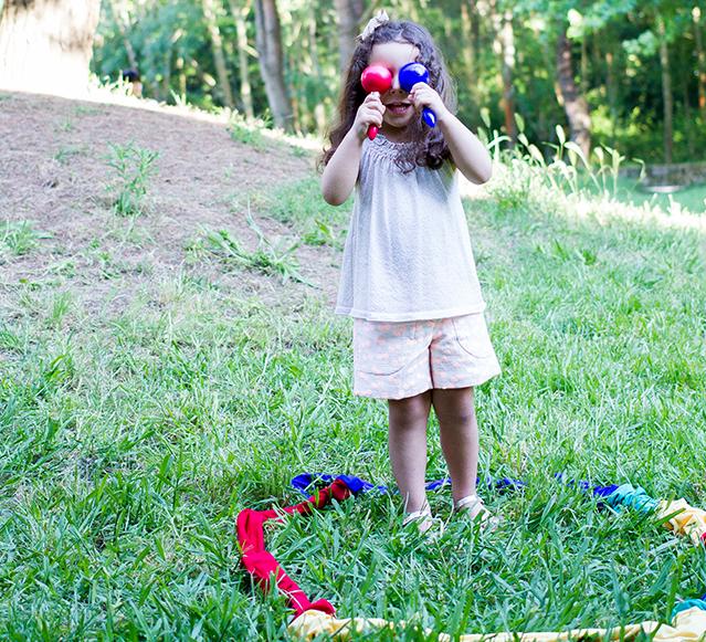 Criança a brincar